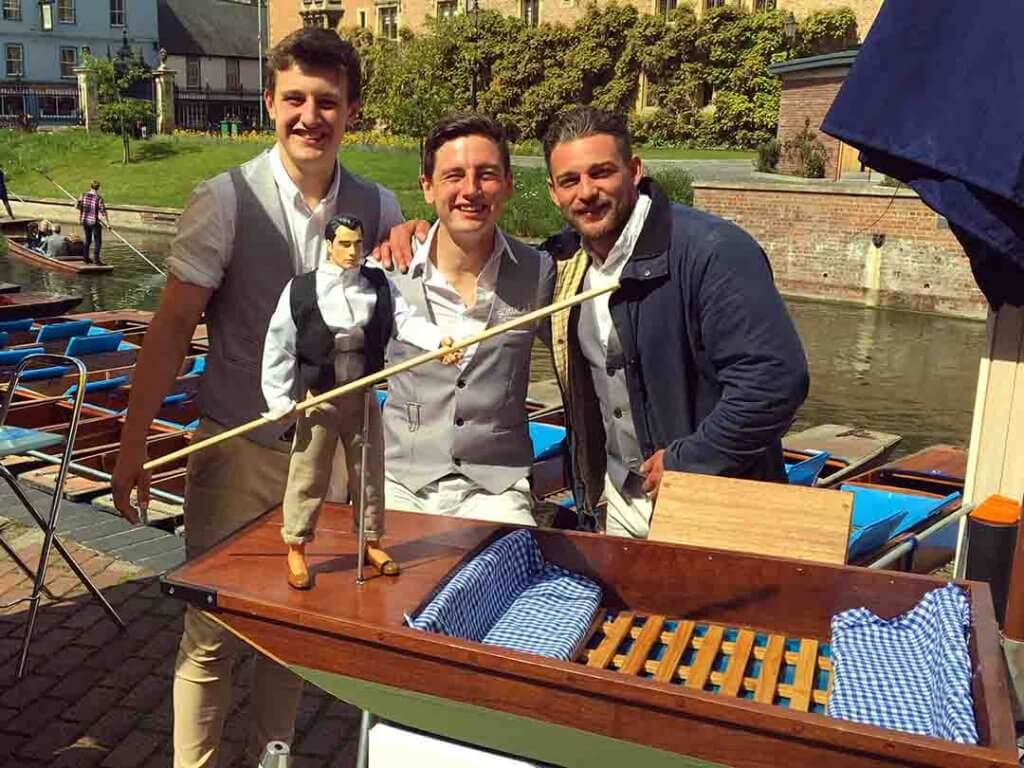 Student punting cambridge