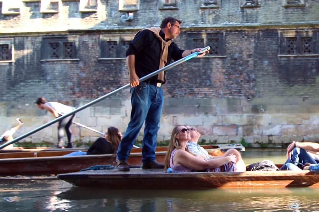 Self driven boat